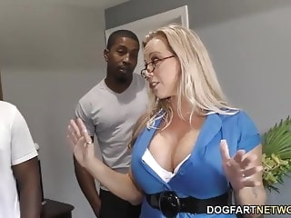 interracial creampie Amber Lynn Bach gets gangbanged and creampied by BBCs